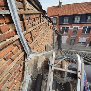 herstellingen van daken. voor totale dakrenovaties werken wij met vaste onderaannemingen